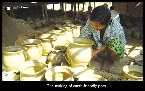 Photography: The making of earth-friendly pots