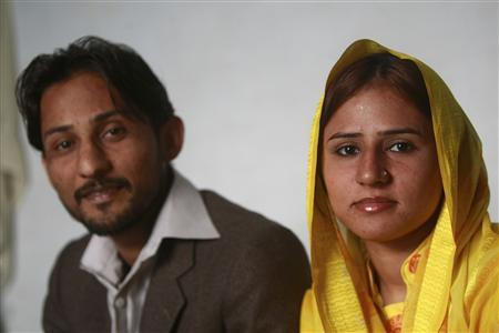 Pakistani newlyweds live in fear of honour killing