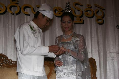 Celerbrity Wedding: Thar Soe + Htet Htet Khine