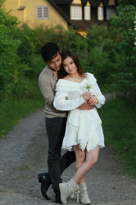 Moe Aung Yin and his girlfriend